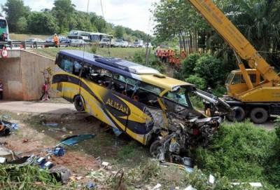 Bus-accident-1482579774.jpg