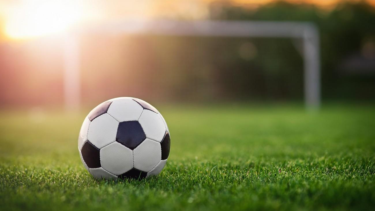 Football-1518105407.jpg