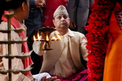 raja-gyanendra-1539790610.jpg